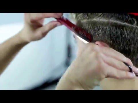 Стильная мужская стрижка на вьющиеся волосы